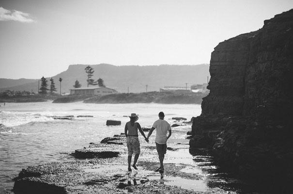 7Photographer-wedding-scott-surplice-beach-Woonoona-south-coast-wedding-pink-blue6