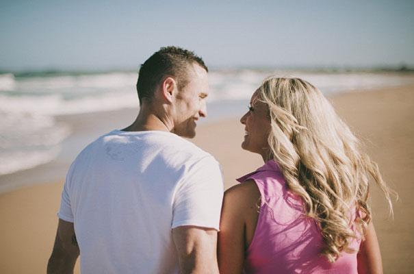 9Photographer-wedding-scott-surplice-beach-Woonoona-south-coast-wedding-pink-blue8