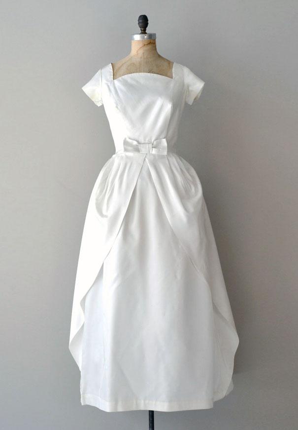 vintage-wedding-dress-gown-australia-white-lace-silk1