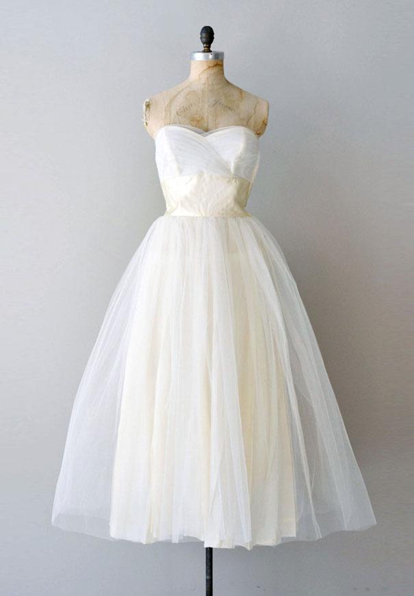 vintage-wedding-dress-gown-australia-white-lace-silk2