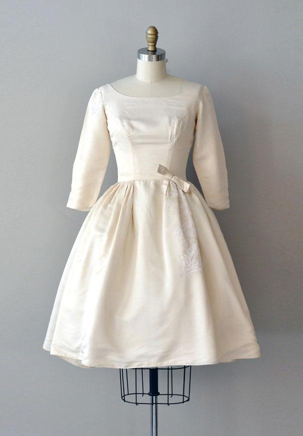 vintage-wedding-dress-gown-australia-white-lace-silk6