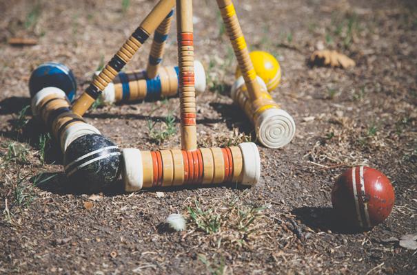DIY-country-rustic-backyard-weding-inspiration-short-lace-dress-blue-green-yellow32