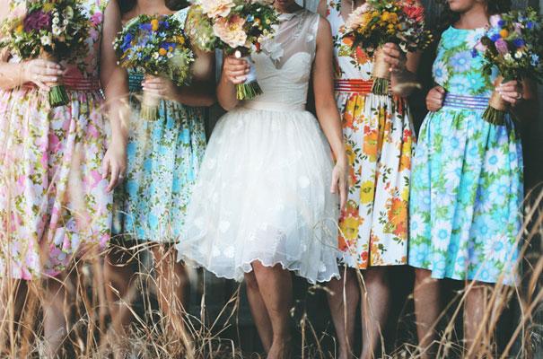 Rustic-backyard-weding-inspiration-short-lace-dress-blue-green-yellow12