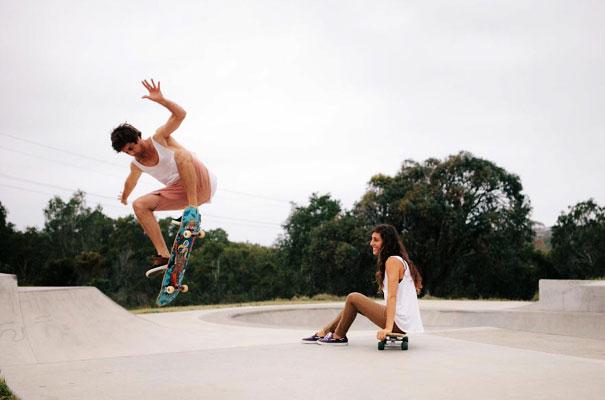 skateboarding-chick-engagement-couple-bush-photography-inspiration11