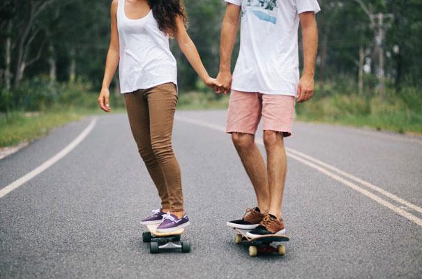 skateboarding-chick-engagement-couple-bush-photography-inspiration7