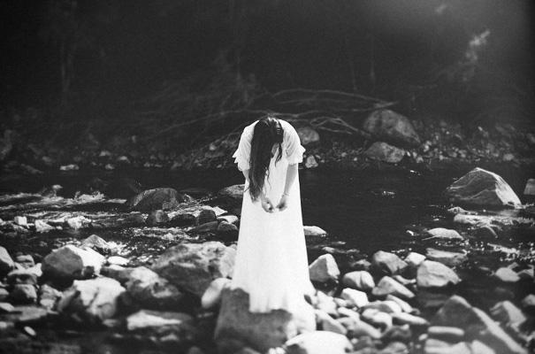 tim-coulson=photographer-bush-wedding-sydney-amazing-creek-river-country16