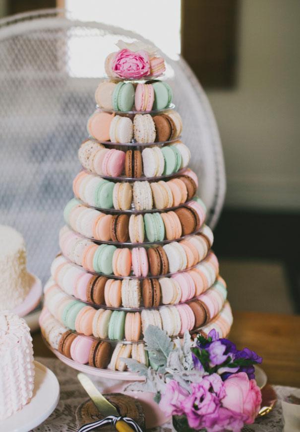 wedding-cake-art-balloons-blackboard-wedding-ideas-inspiration-bridal-shower5