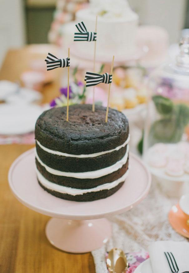 wedding-cake-art-balloons-blackboard-wedding-ideas-inspiration-bridal-shower9
