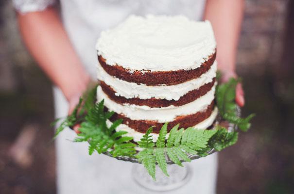 boho-bride-succulents-wedding-greenery-cakes-styling-inspiration-marion10