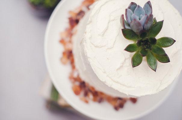 boho-bride-succulents-wedding-greenery-cakes-styling-inspiration-marion7