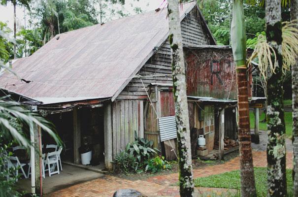 boomerang-farm-country-wedding-queensland-kombi-DIY-barn-Luke-Going15