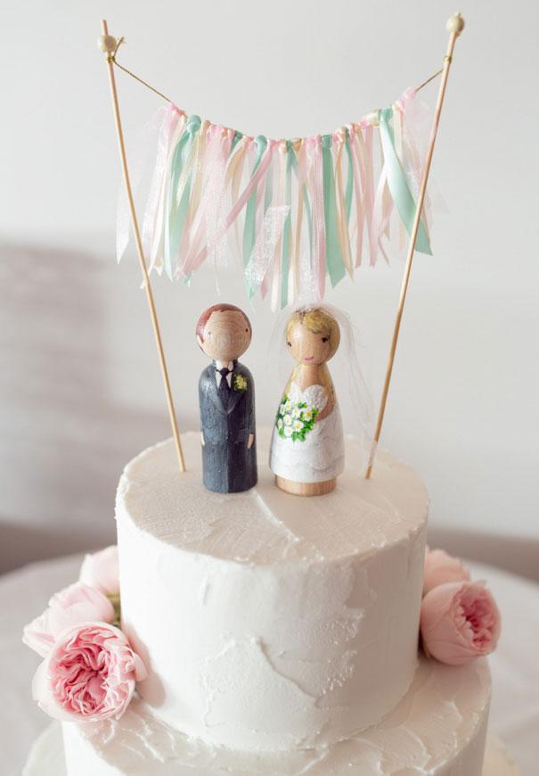 wedding-cake-inspiration-cheese-wheel-naked-cake-flowers-traditional-cool-rainbow