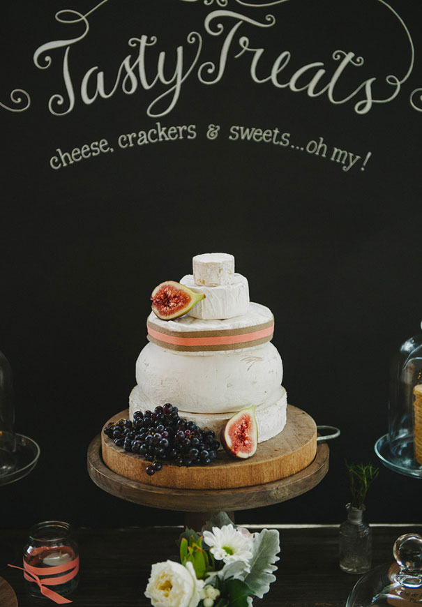 wedding-cake-inspiration-cheese-wheel-naked-cake-flowers-traditional-cool-rainbow8
