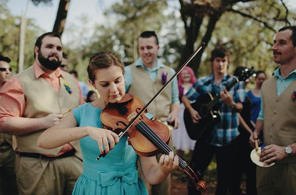samm-blake-rock-n-roll-bride-green-bright-country-wedding-DIY17
