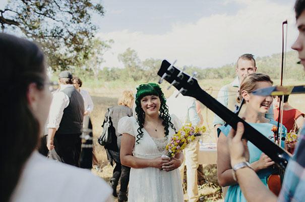 samm-blake-rock-n-roll-bride-green-bright-country-wedding-DIY9