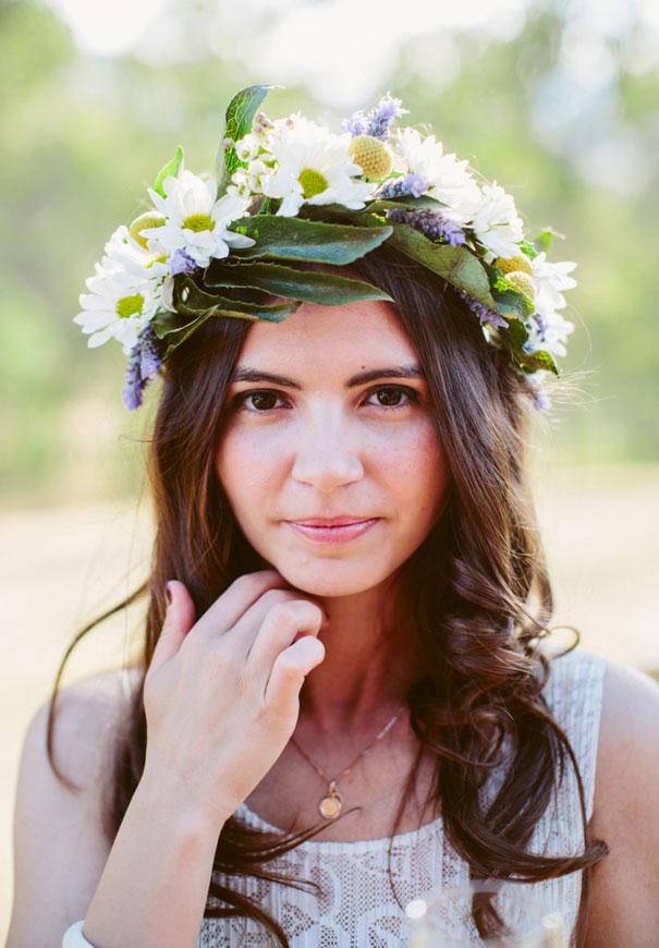 best-wedding-ever-the-wanderers-daisies-boho-bride-country-hippie-wedding-farm-inspiration42