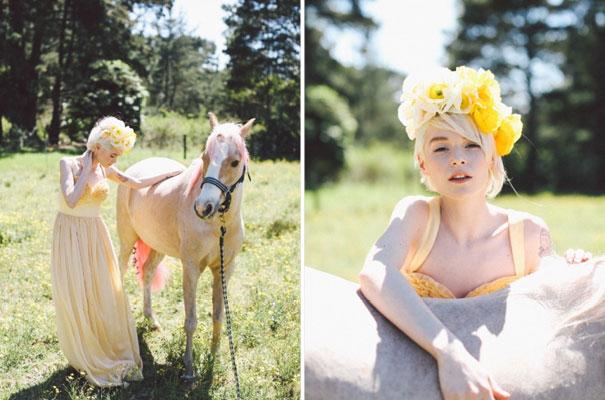 lara-hotz-the-sisters-wedding-inspiration-lover-flowers2