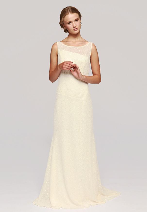 Hello may otuday for Spanish wedding dress designer