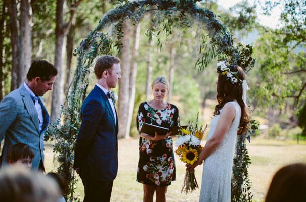 the-wanderers-daisies-boho-bride-country-hippie-wedding-farm-inspiration16