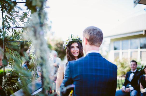 the-wanderers-daisies-boho-bride-country-hippie-wedding-farm-inspiration17