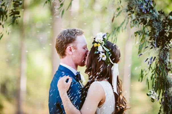 the-wanderers-daisies-boho-bride-country-hippie-wedding-farm-inspiration20
