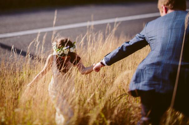 the-wanderers-daisies-boho-bride-country-hippie-wedding-farm-inspiration28