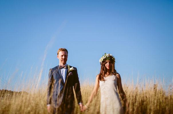 the-wanderers-daisies-boho-bride-country-hippie-wedding-farm-inspiration29