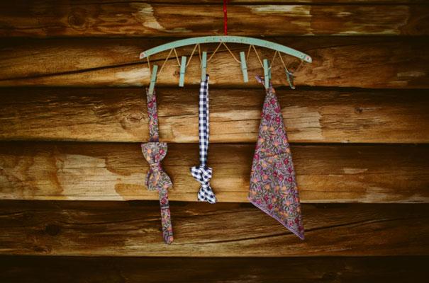 the-wanderers-daisies-boho-bride-country-hippie-wedding-farm-inspiration6