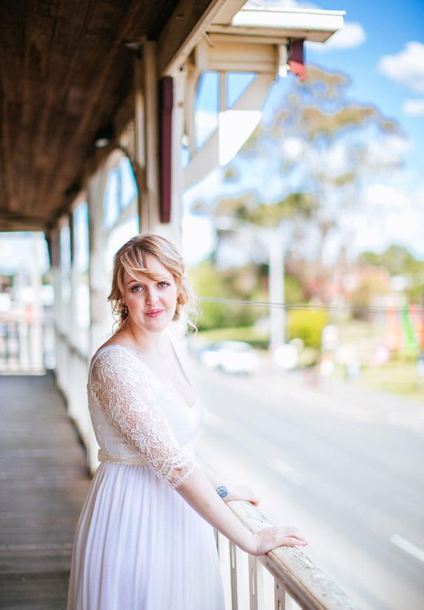 melbourne-wedding-vintage-wedding-dress-photographer-country-DIY