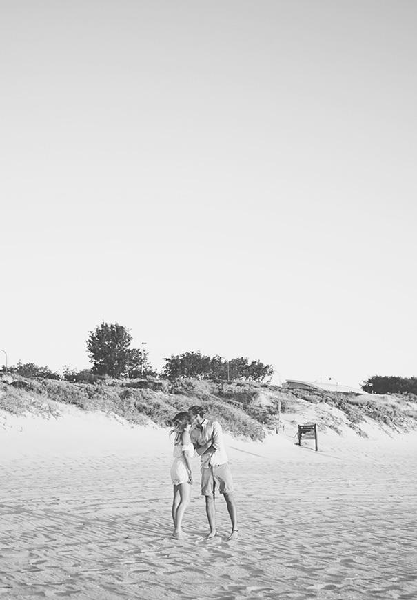 NSW-courtney-holloway-coastal-bride-engagement5
