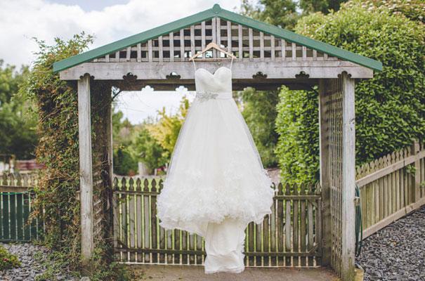 TAS-country-wedding-hay-bales-diy-ideas11