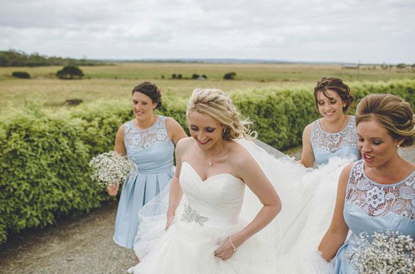 TAS-country-wedding-hay-bales-diy-ideas14