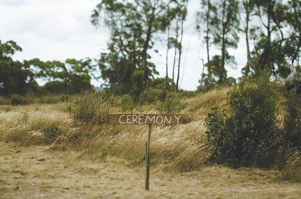 TAS-country-wedding-hay-bales-diy-ideas15