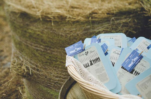 TAS-country-wedding-hay-bales-diy-ideas17