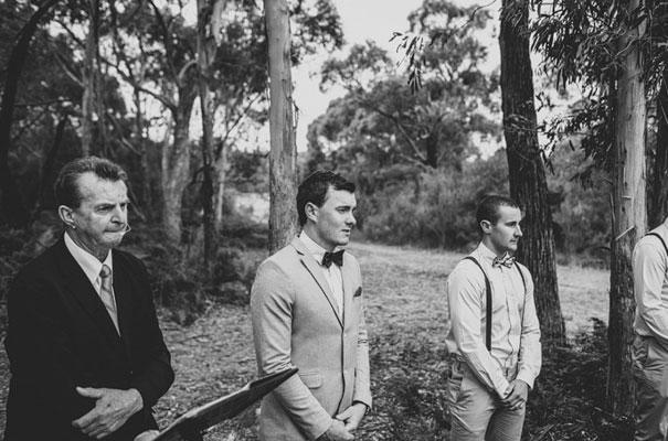 TAS-country-wedding-hay-bales-diy-ideas26
