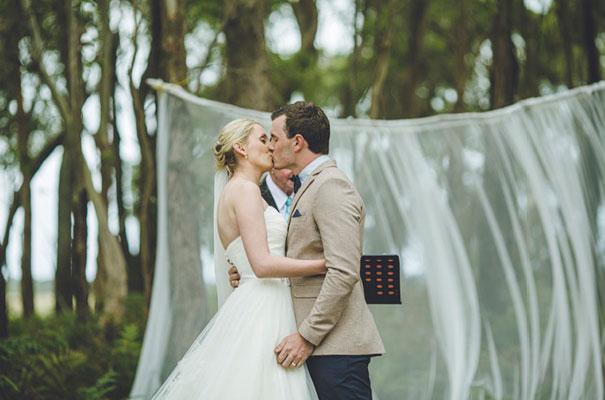TAS-country-wedding-hay-bales-diy-ideas29