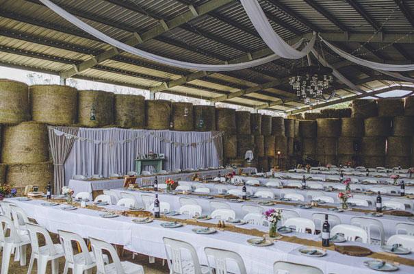 TAS-country-wedding-hay-bales-diy-ideas31