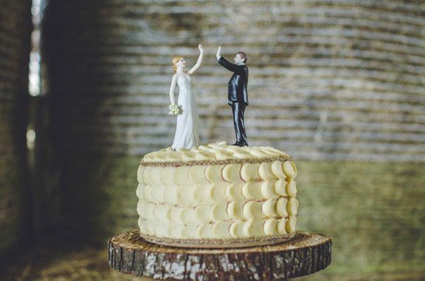TAS-country-wedding-hay-bales-diy-ideas36