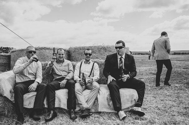 TAS-country-wedding-hay-bales-diy-ideas41