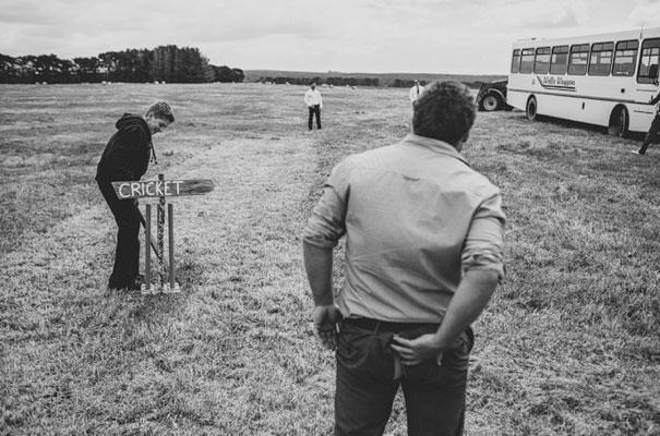 TAS-country-wedding-hay-bales-diy-ideas44