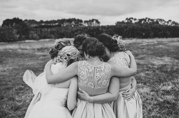TAS-country-wedding-hay-bales-diy-ideas47