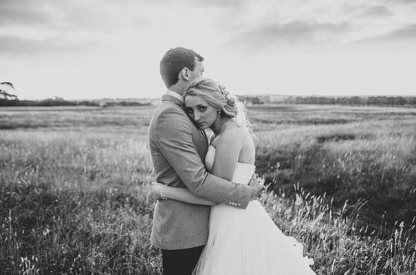 TAS-country-wedding-hay-bales-diy-ideas62