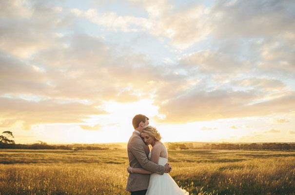 TAS-country-wedding-hay-bales-diy-ideas63