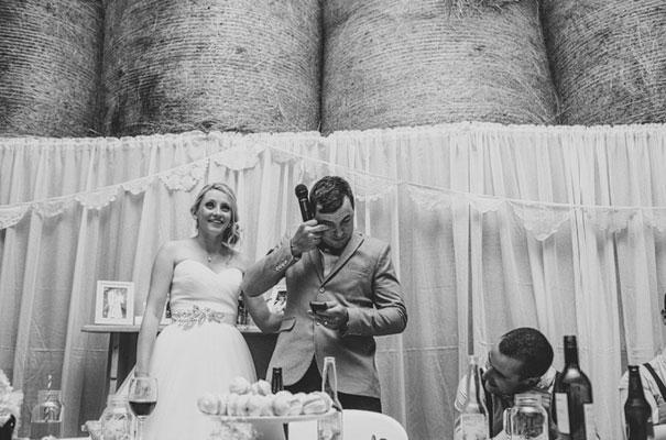 TAS-country-wedding-hay-bales-diy-ideas67