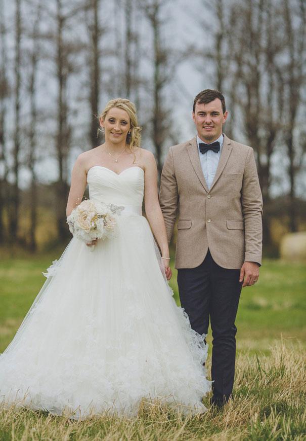 tamania-country-wedding-hay-bales-diy-ideas3