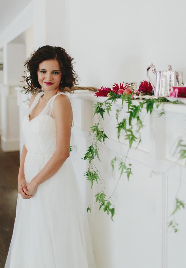 jenny-packham-berry-blush-pink-purple-wedding-inspiration-hair-makeup-bridal-flowers5