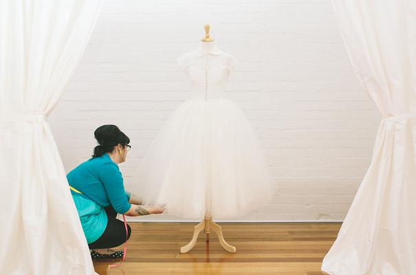 vintage-bridal-gown-wedding-dress-peter-pan-colar25