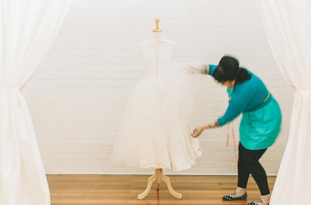 vintage-bridal-gown-wedding-dress-peter-pan-colar28