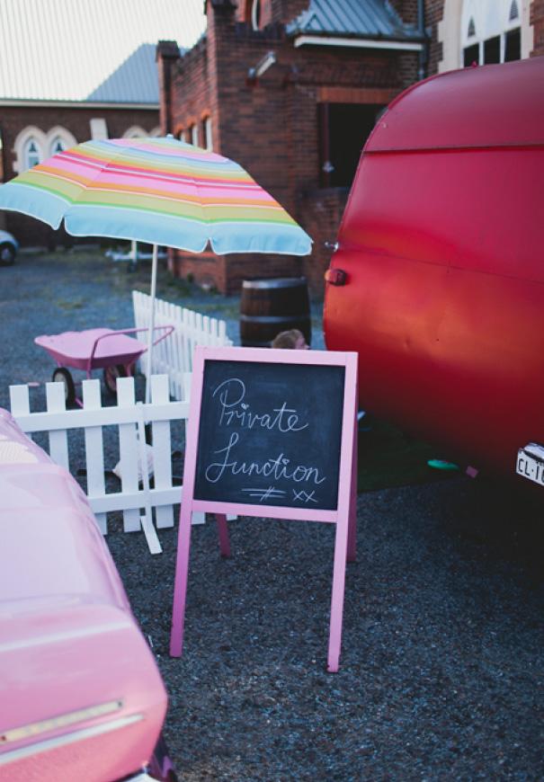 brisbane-retro-pink-queensland-wedding-photographer-icecream-truck-vintage5