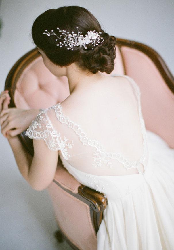 gold-three-sunbeams-bridal-hair-accessories-veil4